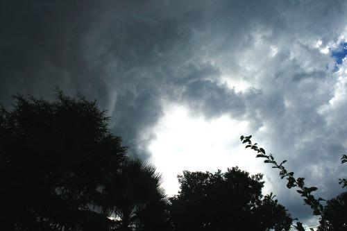 clouds-195065_1280