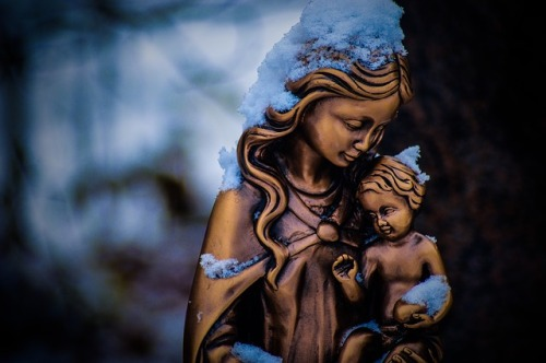mother-mary-3405282_640